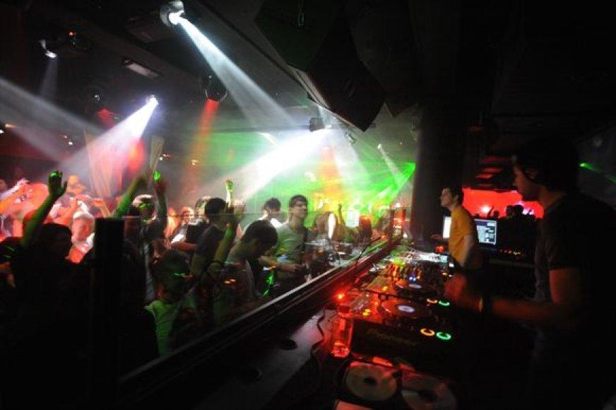 """Vakarėliai klube """"Exit"""" vyks visus 4 likusius sausio savaitgalius."""