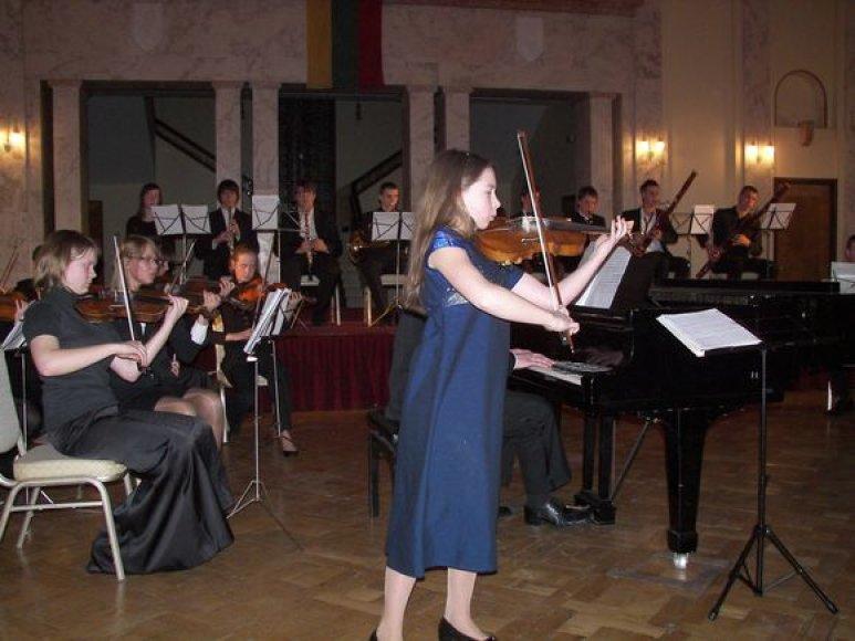 Nuotraukoje – akimirka iš ankstesnio koncerto Kauno karininkų ramovėje.