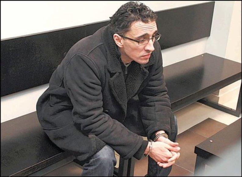 T.M.S.Daouiji pasiūlyta šešių su pusę metų laisvė atėmimo bausmė.