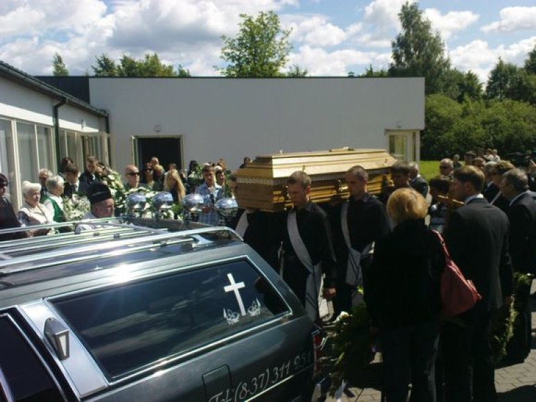 A.Ūso laidotuvių akimirka