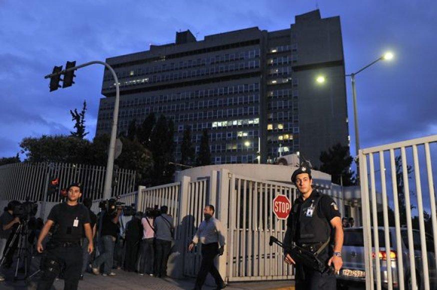 Atėnuose, nelaimės vietoje, dirba pareigūnai.