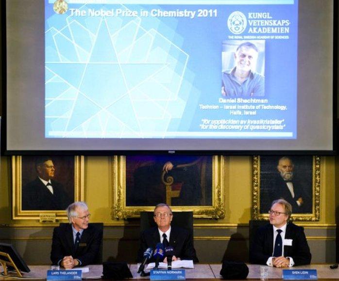 Pristatmomas Nobelio chemijos premijos nugalėtojas Danielis Shechtmanas.
