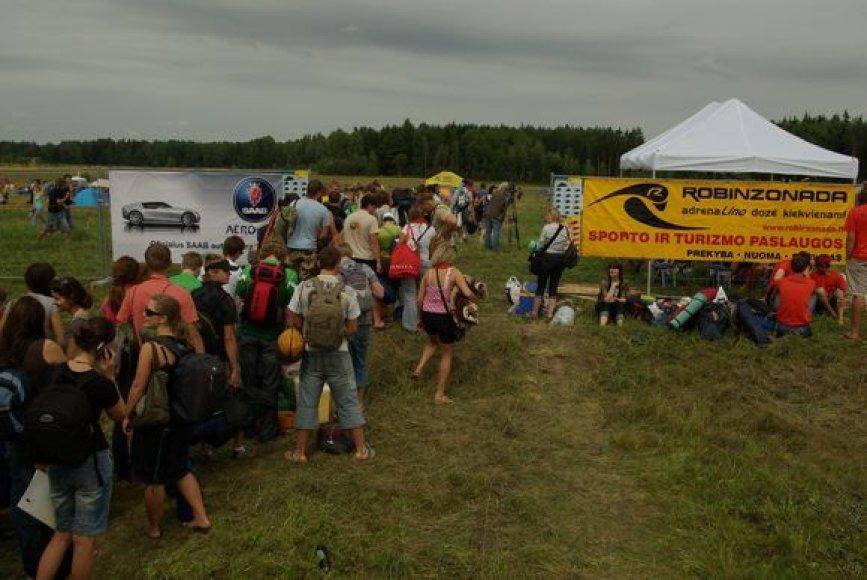 Ilgas kelias iki festivalio teritorijos