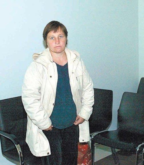 A.Kasperavičienė į pirmą teismo posėdį pristatė pažymą, kad vėl yra nėščia nuo savo aukos vienturčio sūnaus.