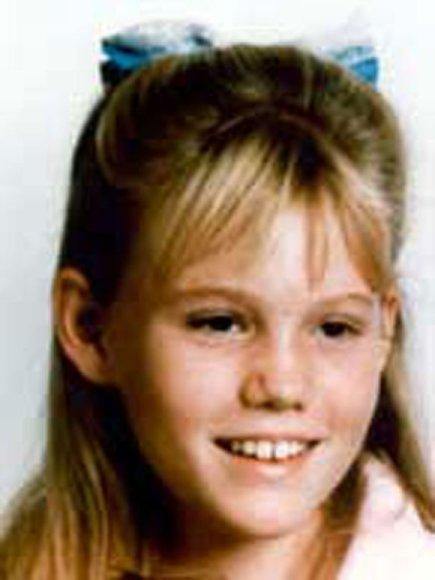 Jaycee Lee Dugard, kurios tėvai nematė nuo pat pagrobimo, kai jai buvo 11 metų, buvo surasta po atsitiktinio policijos ir Phillipo Garrido susidūrimo.