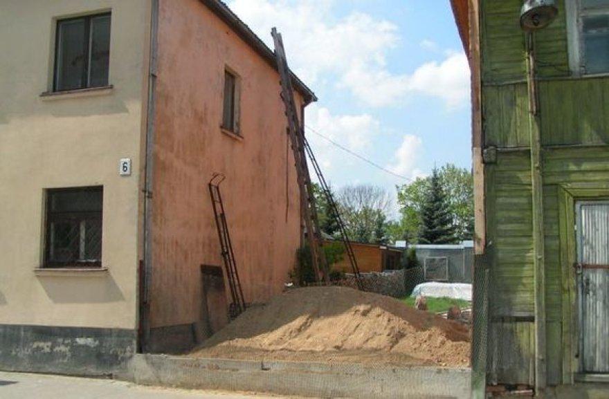 Kėdainių senamiestyje nugriautas savavalis statinys.