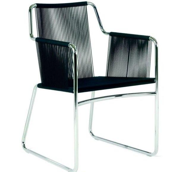 "Dizainerio Rodolfo Dordoni sukurta kėdė ""Harp"" (""Arfa"")."