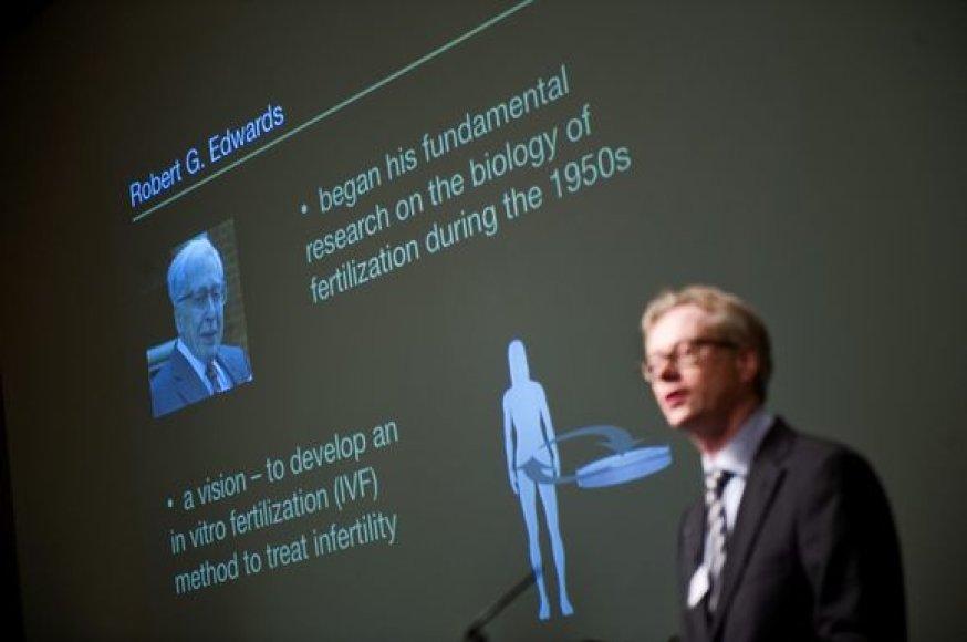 Nobelio komitetas Stokholme veikiančiame Karolio institute paskelbė R.Edwardsą Nobelio medicinos premijos laimėtoju.