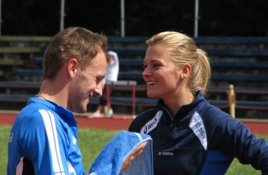 Su šuolininke į aukštį Karina Vnukova