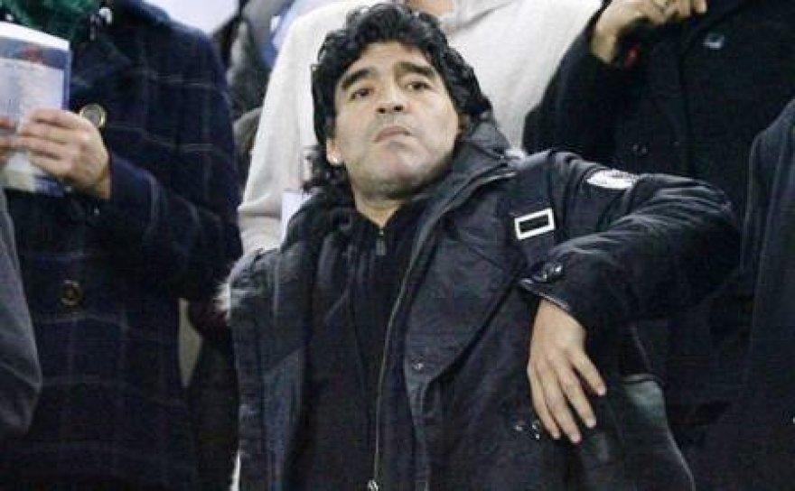 Maradona po 25 metų pertraukos grįžo į Barseloną