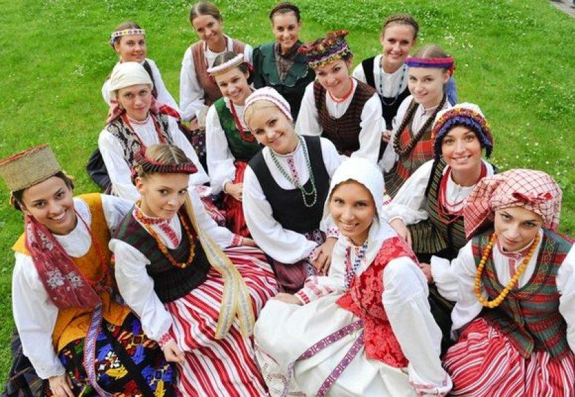 """Projekto """"Iššūkis – mis Lietuva"""" dalyvės"""