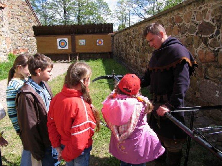 """Edukacinis užsiėmimas """"Viduramžių karyba"""""""