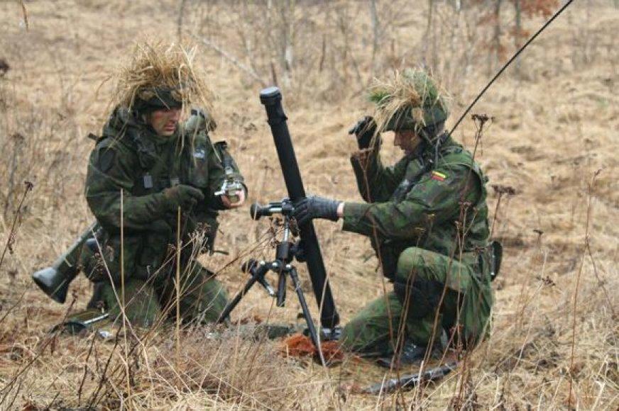 Birutės bataliono kariai dalyvavo taktinėse lauko pratybose.