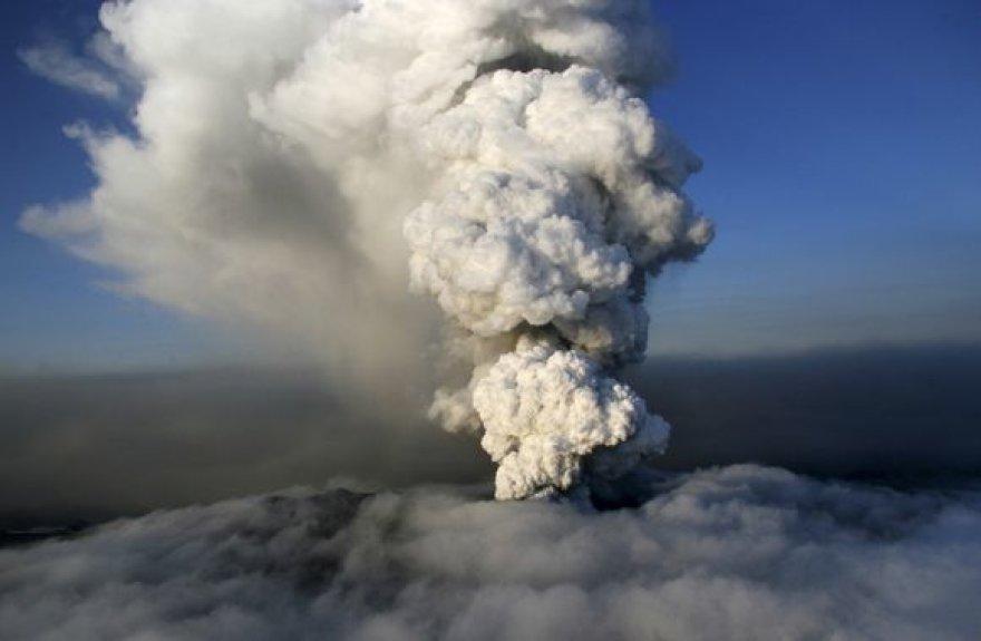 Iš ugnikalnio besivežiantys pelenai