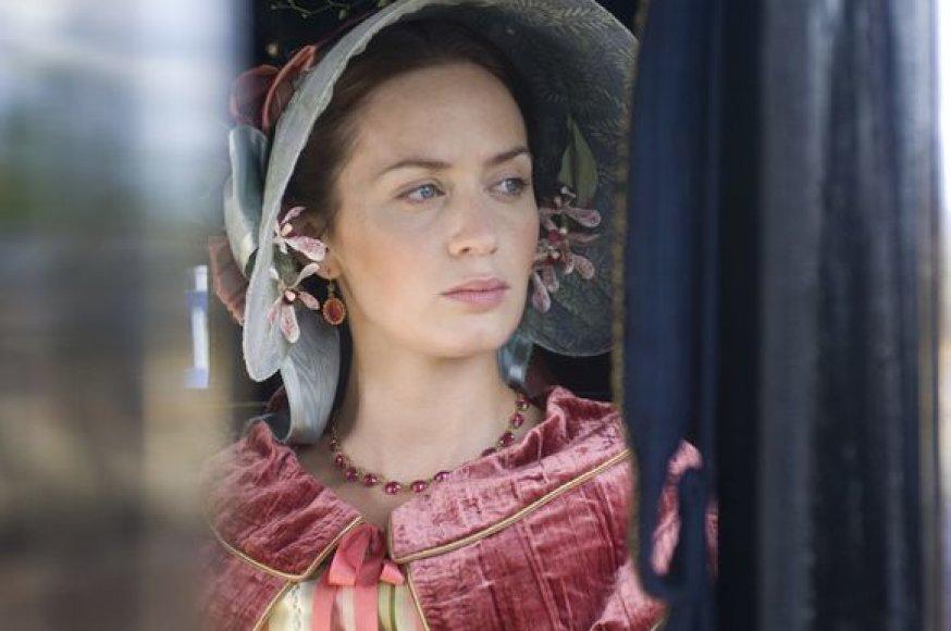 """Filmo """"Viktorija. Jaunoji karalienė"""" žvaigždė Emily Blunt"""