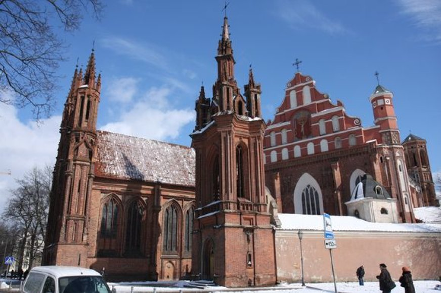 Šv. Onos bažnyčią planuojama rekonstruoti iki 2011 metų.