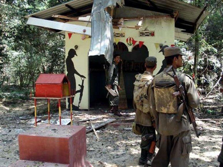 Šri Lankoje nukauta daugiau kaip 100 sukilėlių.