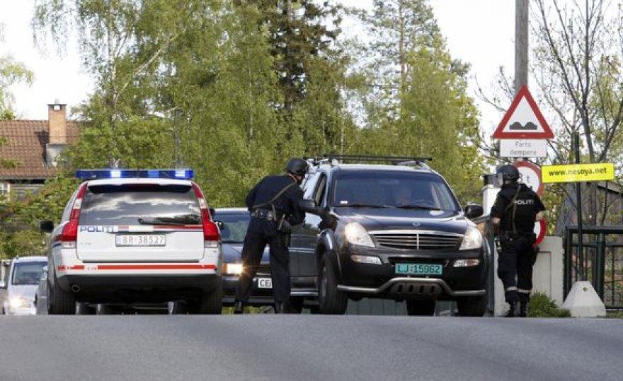 Norvegijos sostinės Oslo priemiestyje užpuolikas pirmadienį nušovė dvi moteris ir nusišovė pats.