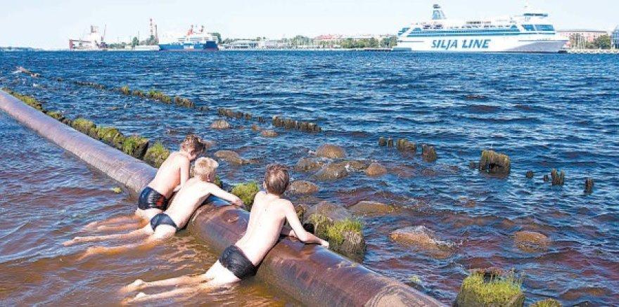 Vasarą Latvija, kaip ir kitos Baltijos šalys, dar mėgaujasi tariama ramybe. Tačiau jau rudenį gali kilti stipri ekonominė audra.