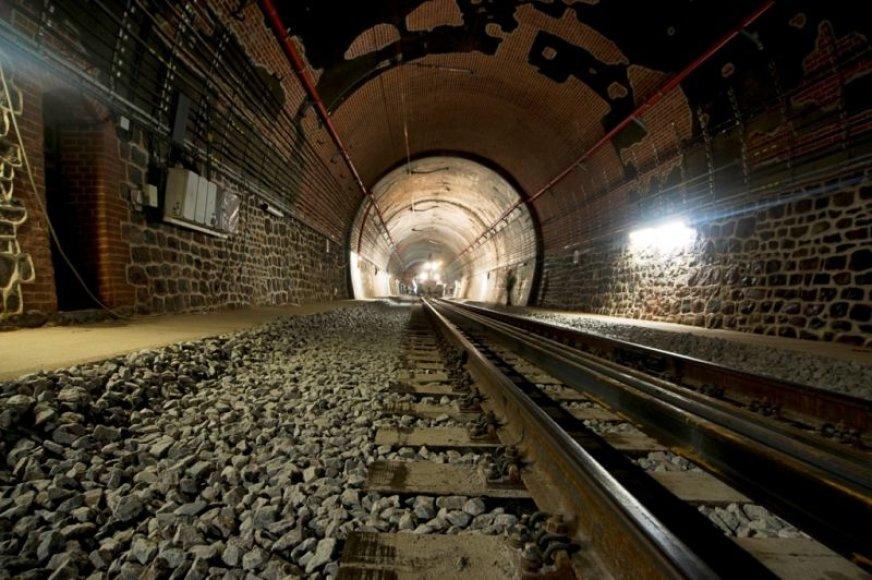 Eismas Kauno geležinkelio tuneliu bus atnaujintas antradienį.