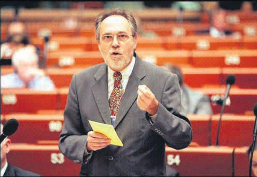 D.Marty teigia, kad įrodymų apie slaptą kalėjimą Europoje pakanka.