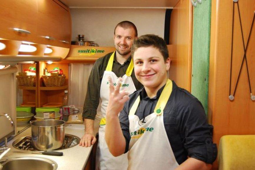 """""""Dantimis"""" grojantis Mikas kulinarijos paslapčių mokysis pas Liną Samėną."""