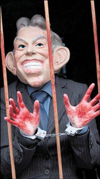 Kai kurie britai T.Blairą kaltina nusikaltimais žmonijai.