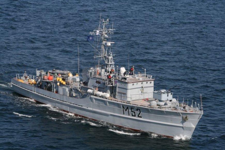 Lietuvos karo laivas dalyvauja tarptautiniuose kariniuose mokymuose Baltijos jūroje.