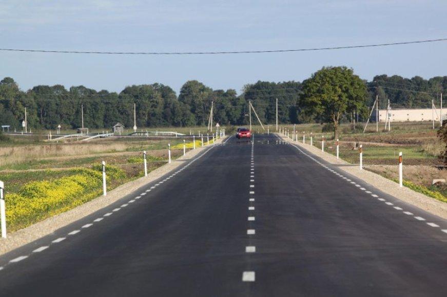 """AB """"Panevėžio keliai"""" rekonstravo beveik 9 kilometrus kelio ir tiltą."""