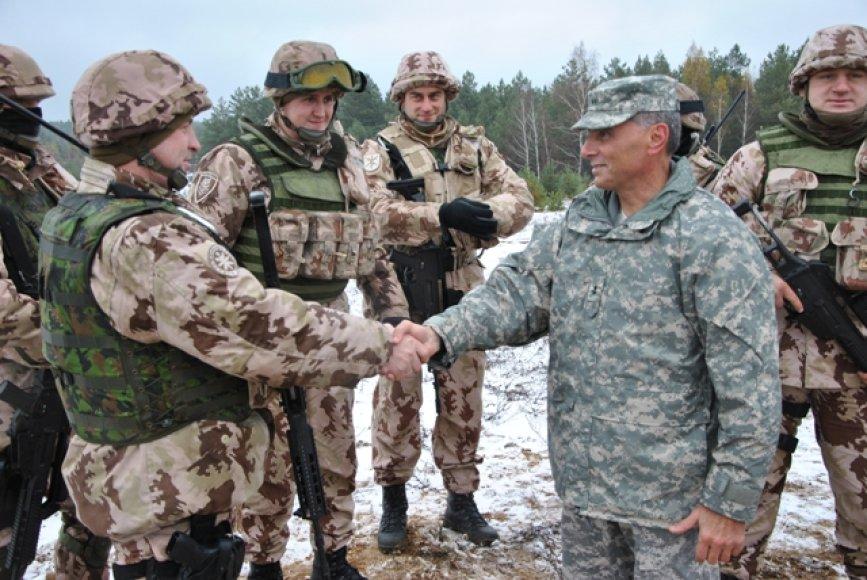 Misijai Afganistane ruošiasi iš Lietuvos ir JAV atstovų sudaryta mokymo grupė