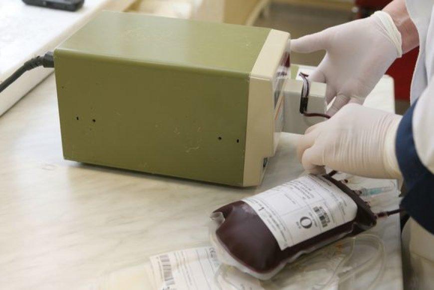 Medikai sulaukia vis daugiau žmonių, norinčių gauti kompensaciją už savo kraują.