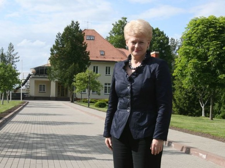 D.Grybauskaitė apžiūrėjo būsimąją rezidenciją