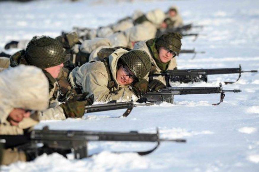 Būtinieji kariniai mokymai – tai galimybė karo prievolininkams įgyti pagrindinį karinį pasirengimą ir siekti karjeros Lietuvos  kariuomenėje. Baigiamosios būsimųjų karių pratybos vyko Rukloje.