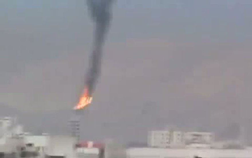 Degantis Sirijos karinių pajėgų sraigtasparnis