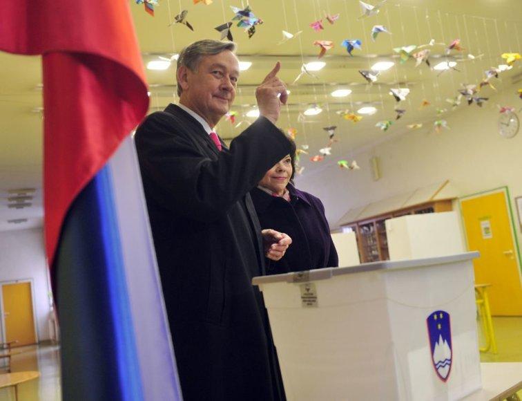 Balsuoja Slovėnijos prezidentas Danilo Turkas