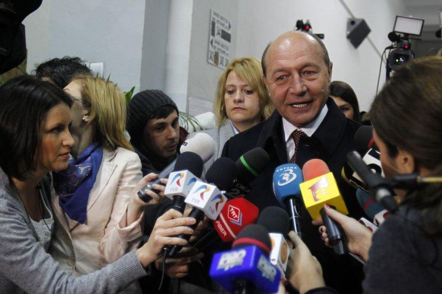 Balsuoja Rumunijos prezidentas Traianas Basescu