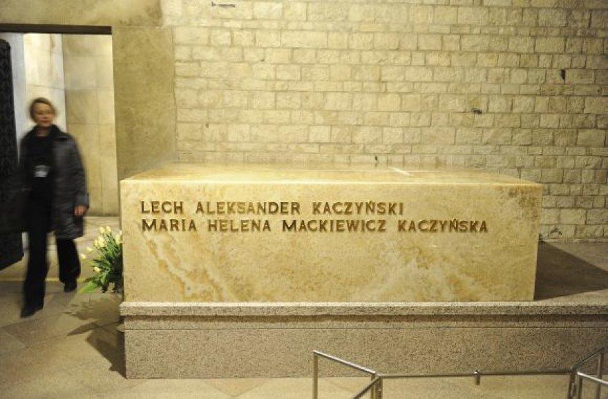 Kripta, kurioje palaidotas L.Kaczynskis su žmona
