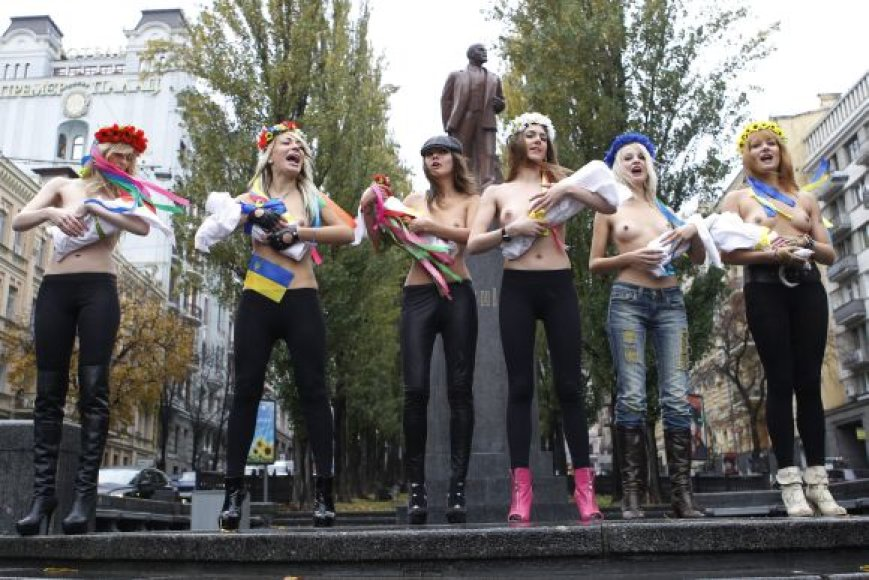 Ukrainos feministės protestuoja prieš V.Putino vizitą