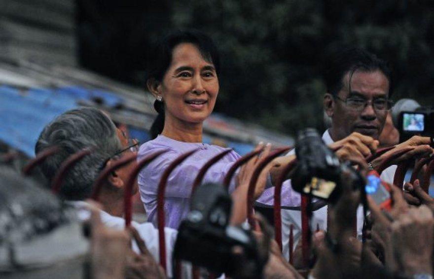 Aung San Suu Kyi paleista iš namų arešto