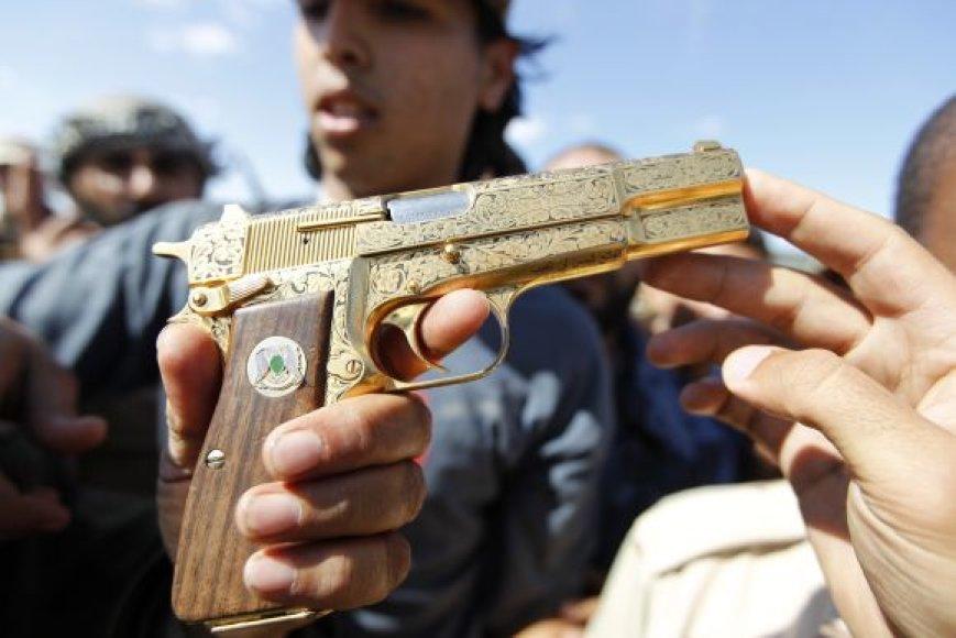 18-metis Muamaro Kadhafi žudikas skelbiamas didvyriu
