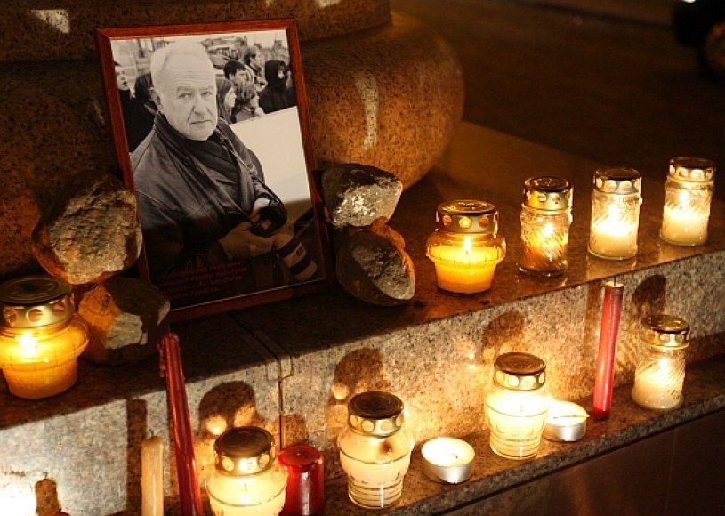 Fotografą Viktorą Kapočių nusikaltėliai nužudė jo paties namuose.