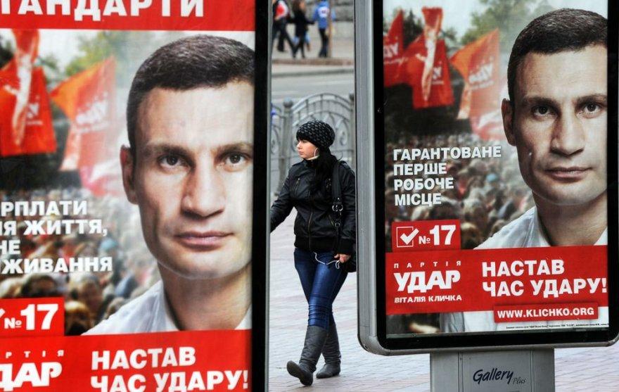 Ukrainoje vyksta Aukščiausiosios Rados rinkimai.