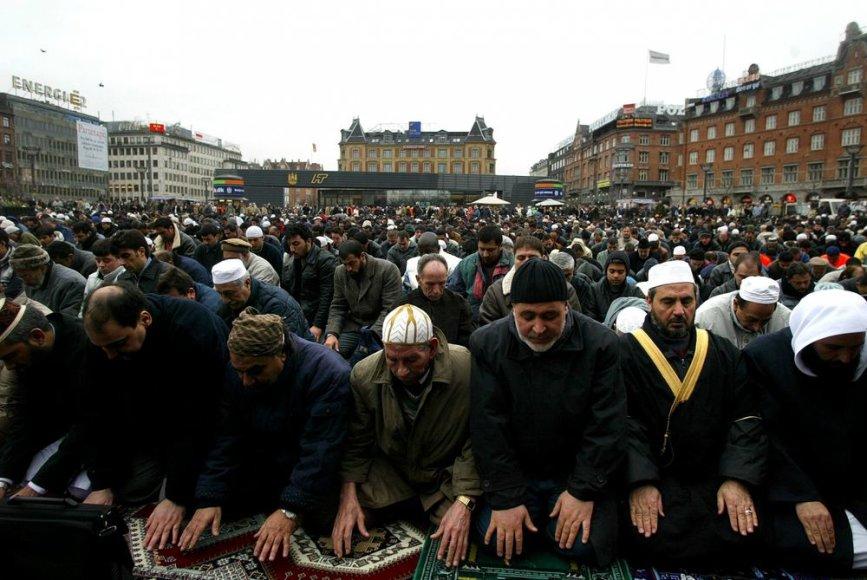 Musulmonai Kopenhagos rotušės aikštėje