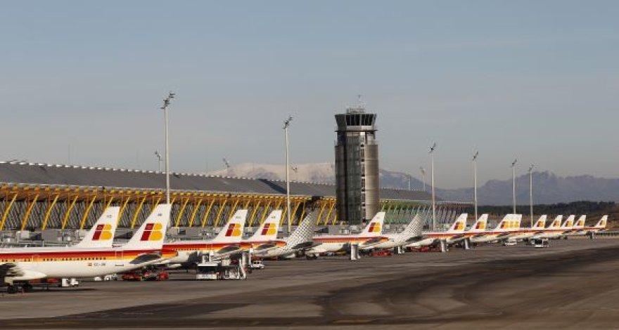 Stovintys lėktuvai Madrido oro uoste