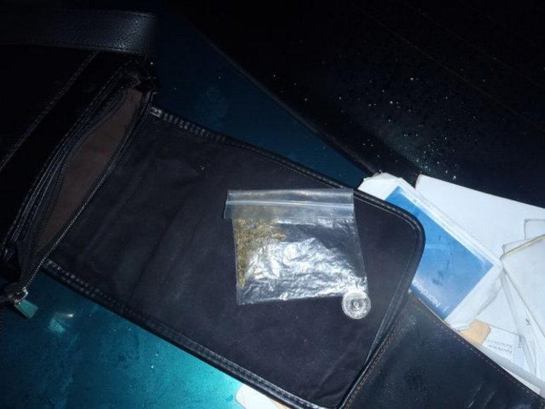 Vyriškio rankinėje rasti narkotikai
