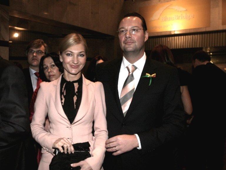 T.Kučinskas su žmona Lina.