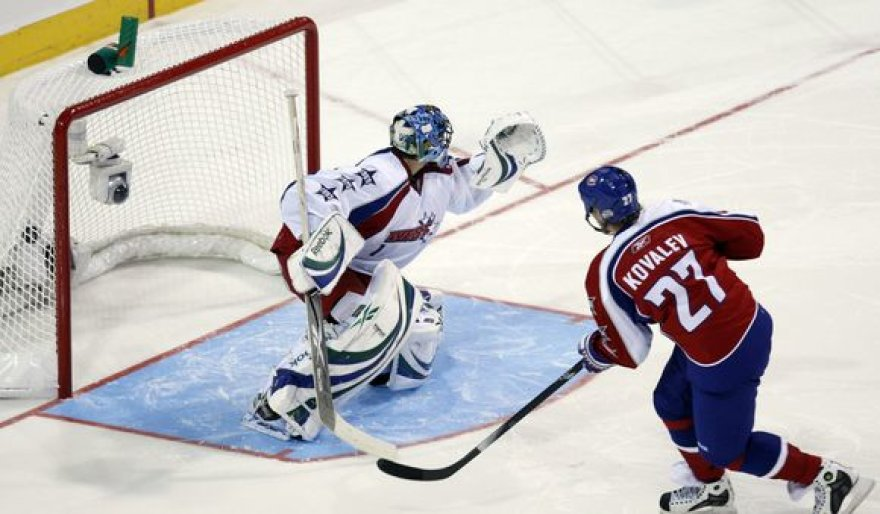 """A.Kovaliovas tapo naudingiausiu NHL """"Visų žvaigždžių"""" rungtynių žaidėju"""