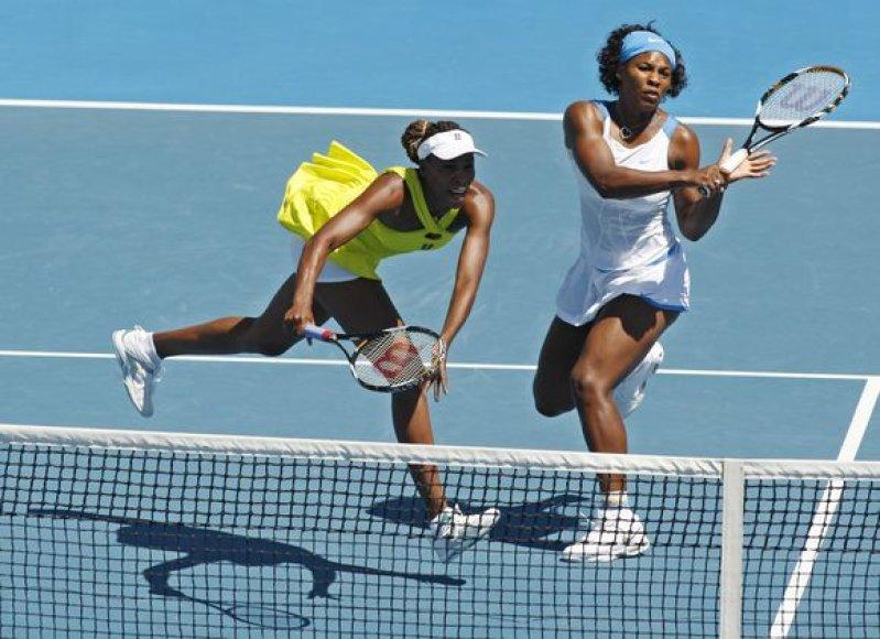 Didžiojo kirčio serijos turnyrų finaluose Serena ir Venus nė karto nepralaimėjo.