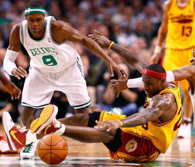"""""""Kavalieriai""""  Bostone nusileido titulą ginančiai """"Celtics"""" ekipai."""
