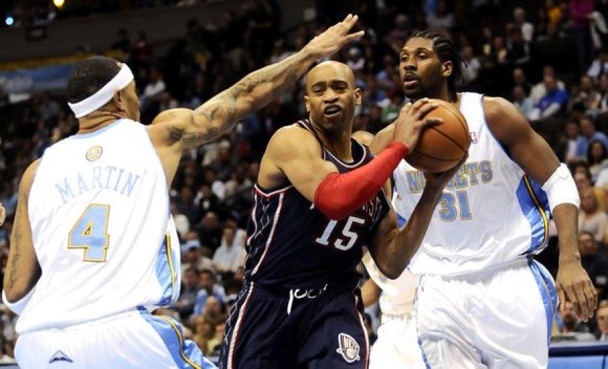 """Denveryje """"Nets"""" krepšininkai dažnai strigo aikštės šeimininkų gynyboje."""